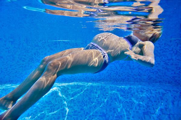 gestanti_corso_in_piscina_immersione